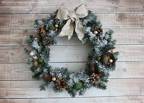 Aroma Scented Wreath - Make your own DIY Christmas Decor Ideas featured on Remodelaholic.com