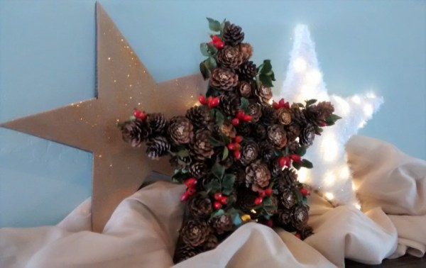 Remodelaholic Christmas Star DIY 3 Ways - Make your own DIY Christmas Decor Ideas featured on Remodelaholic.com