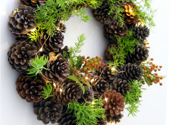 Diy Pinecone Wreath Remodelaholic - Make your own DIY Christmas Decor Ideas featured on Remodelaholic.com