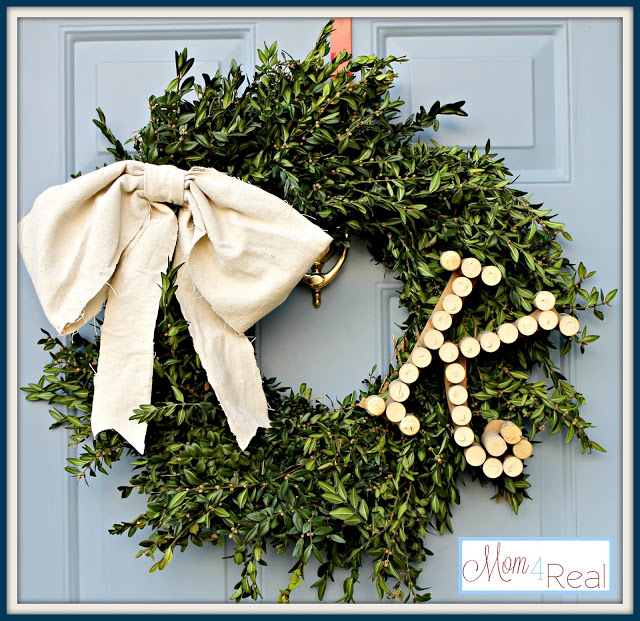 Initial Boxwood Winter Wreath by Mom 4 Real featured on Remodelaholic.com
