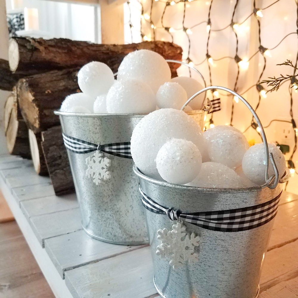 Adding A Touch of Winter To Our Dining Room this Holiday Season
