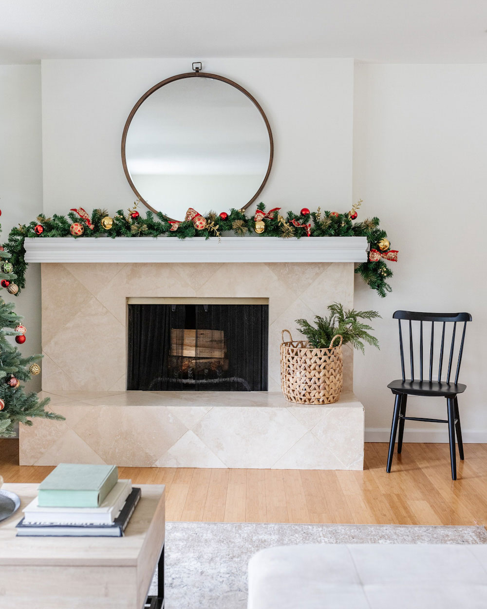 Simple, Classic Holiday Style